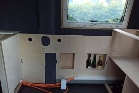 Küchenrückwand, Isolieren, Filzen und Bankrückwand
